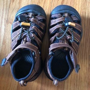 Children's Keen water shoes Size 10